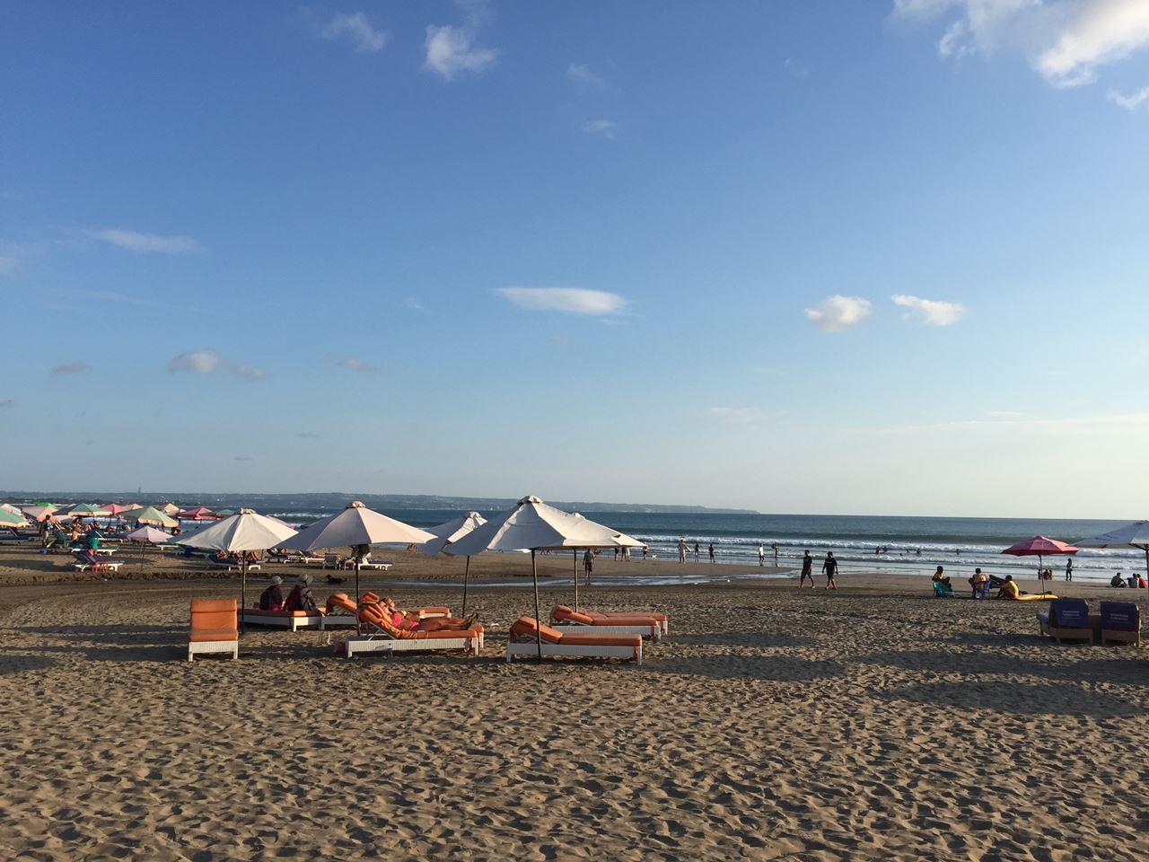 スミニャック散策|ハリスホテルビーチやKZUに行ったよ!