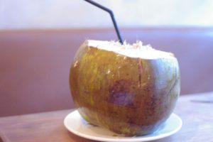 ココナッツジュースも注文できます。