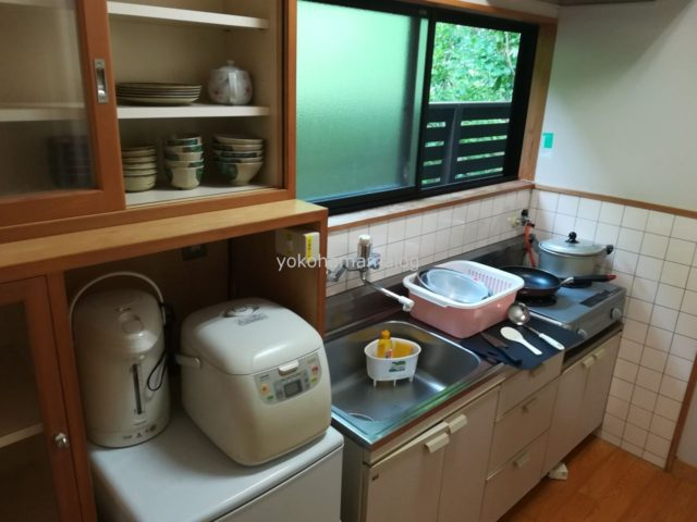 キッチンにはひととおりの道具がそろっています。