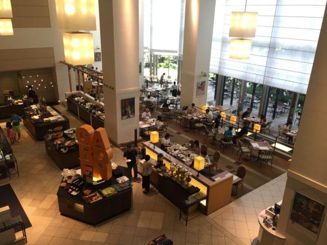 神戸ベイシェラトン1階のガーデンカフェ