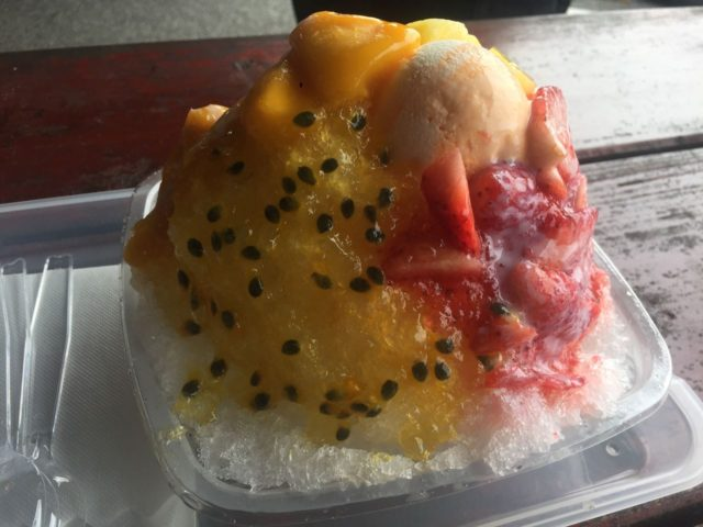 一番人気のデラックスマンゴマンゴ「1000円」。時期的に冷凍マンゴーなのが残念でした。ちなみみに1家族で1つで十分です。
