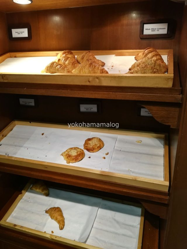 凄い勢いでパンが売れていきました。(笑)