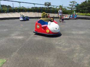 電気自動車は100円です。