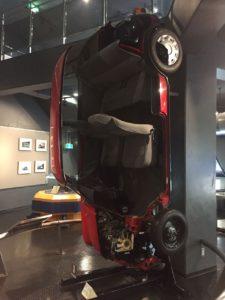 自動車のカットモデルです。こんな展示がたくさんあります。