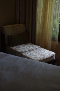 ガーデンサイドのソファー。長女のお気に入りスペースでした。