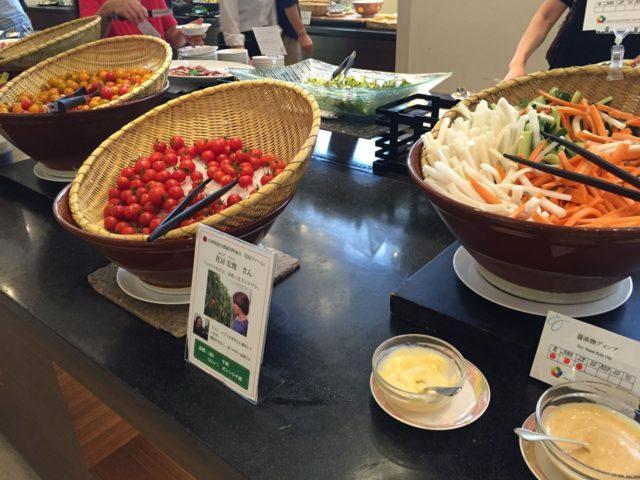 神戸ベイシェラトンの朝食バイキングでは野菜に力を入れています。こちらは産地が異なるお野菜シリーズです。
