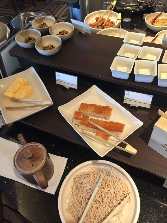 和食コーナー。やっぱり和食は落ち着きます。