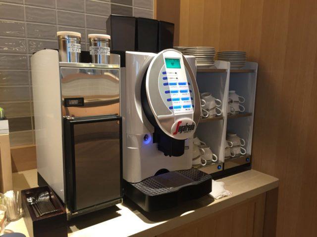 sheraton-tokyo-bay-clublounge-coffee