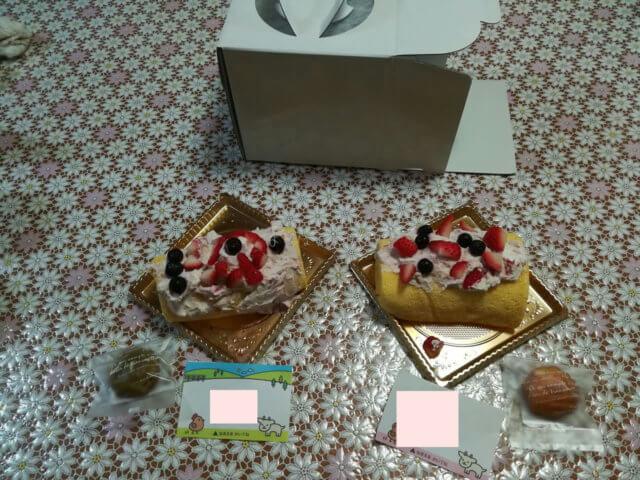 大江ノ郷体験教室で作ったケーキです。長男。長女が1つずつ作りました。