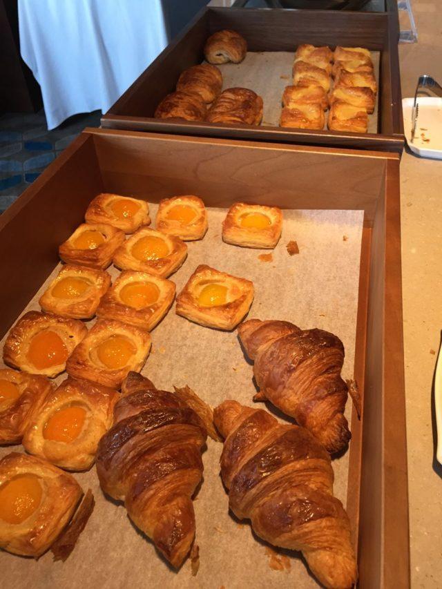 パンはどれもとってもおいしかったです。ドーレのパンでしょうか?!