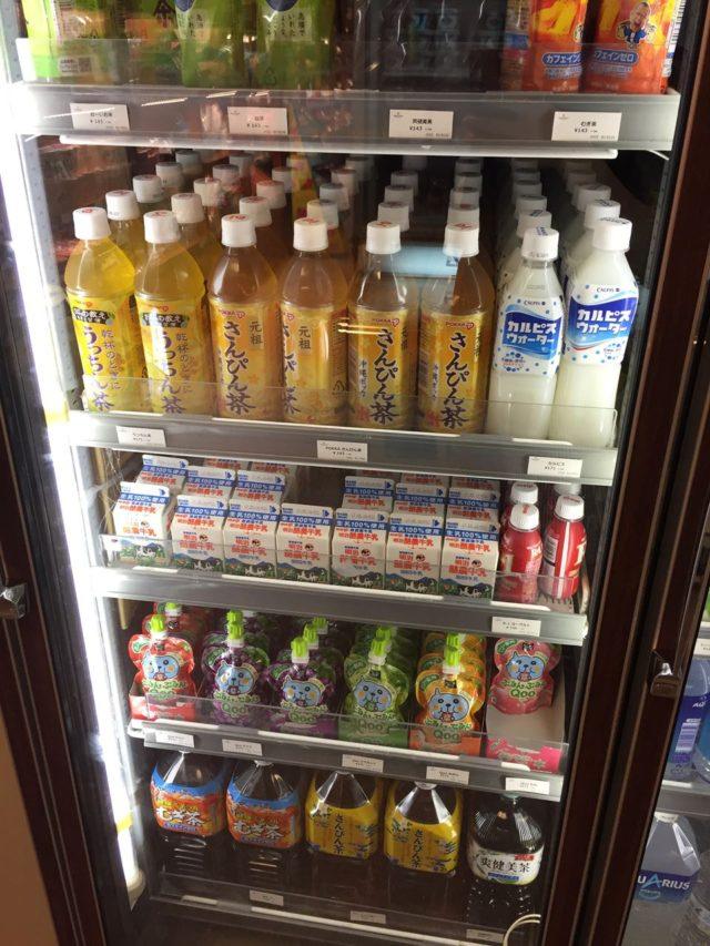 ジュース類。牛乳やQooのゼリージュースがあるのは子育て世代にはうれしいですね。