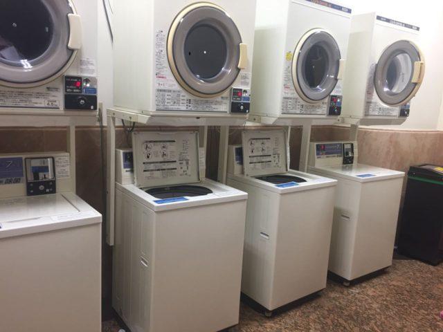 洗濯機が500円、乾燥機が200円(20分)でした。