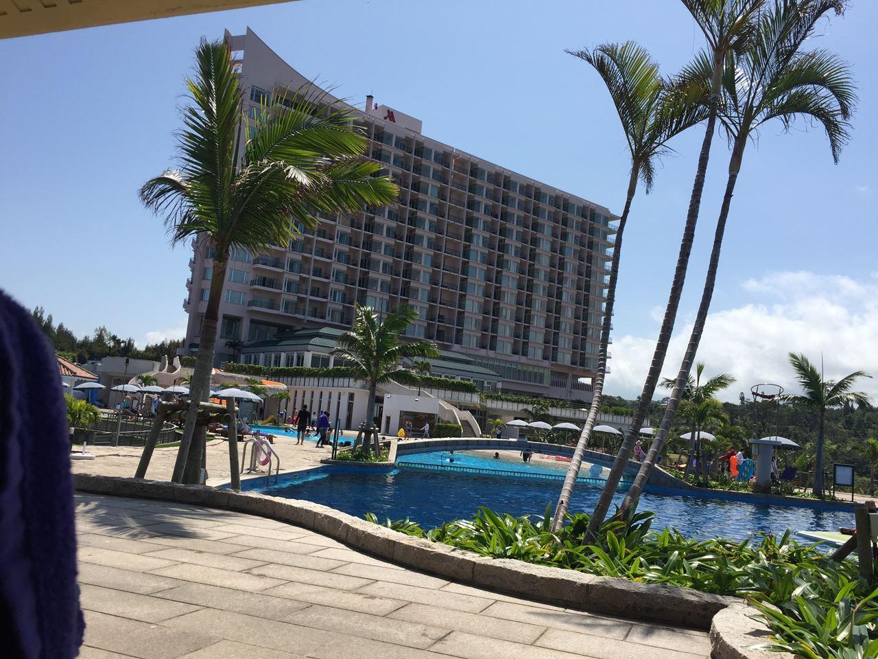 沖縄マリオット子連れ旅行記|エグゼクティブラウンジと巨大プールが最高!