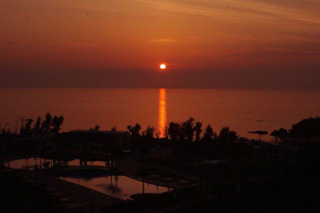 夕日がきれいです。・・・これは写真はラウンジからだったかん。