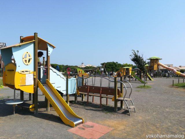 こちらの「キッズ遊具」広場にはこれぐらいの小さな遊具も点在しています。