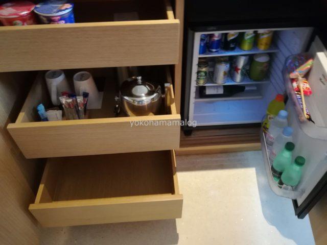 冷蔵庫には有料の飲み物が大量に入っていたので、持ち込み飲み物はあまり入りません。