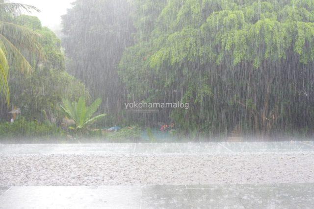 プーケットの雨季の雨