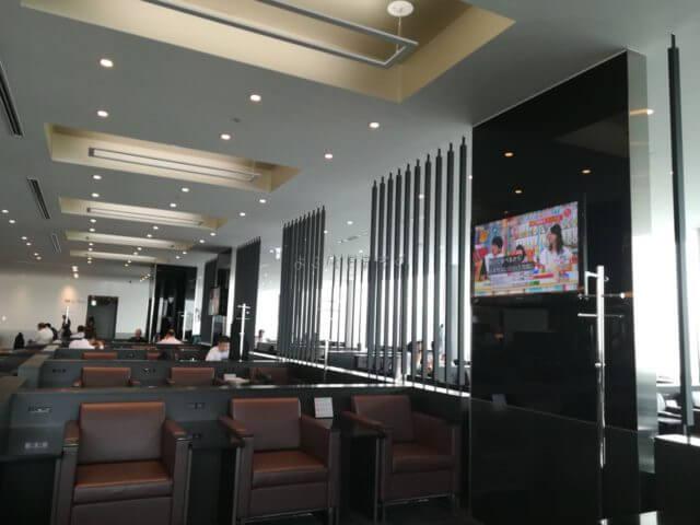 羽田空港国際線ANAラウンジのシート