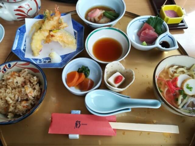 彩り豊かな琉球料理のランチ。最終日にお腹が少しやさしい料理をいただけました。