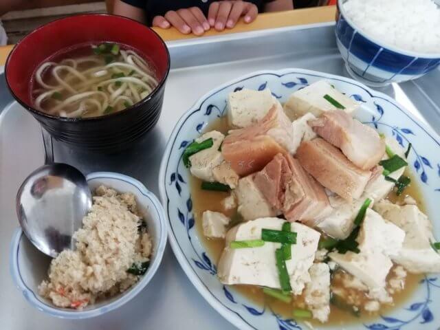 海洋食堂の人気メニュー豆腐ンブサー
